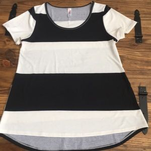 EUC Black/white thick stripe Classic by Lularoe